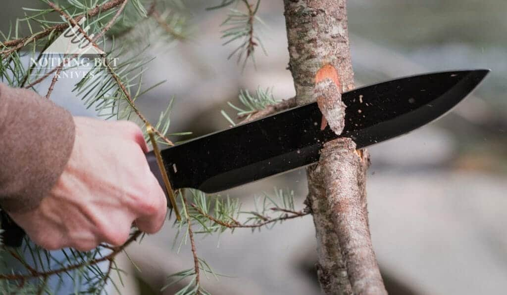 This large budget Bowie knife from Frost Cutlery is fun and it has a comfortable handle, but it also has a few design flaws.
