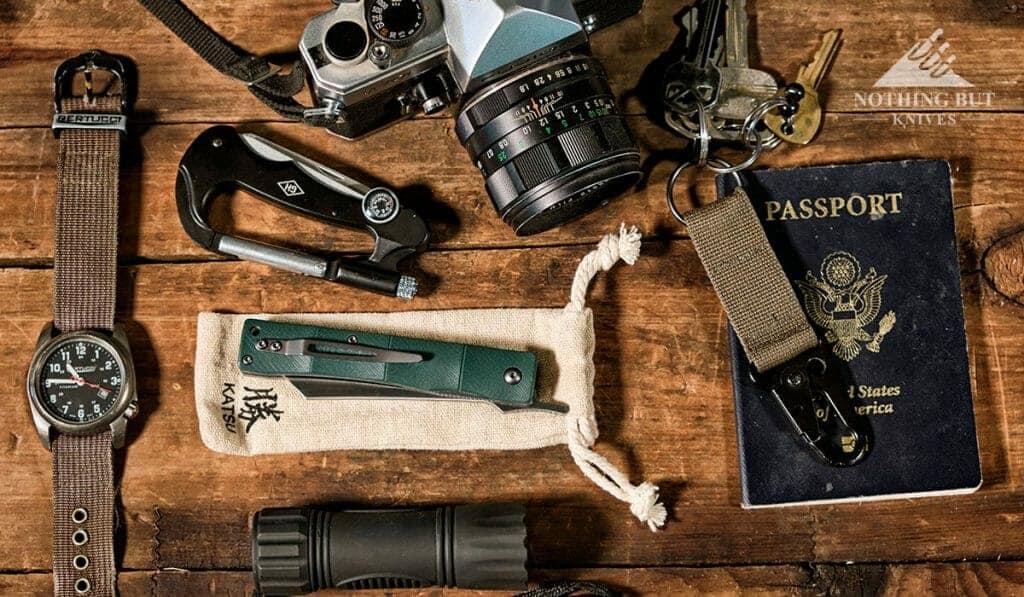 In depth review of the Katsu Bamboo Folding Pocket Knife Razor,